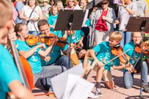 Fiddle Concert at the Farmers Market